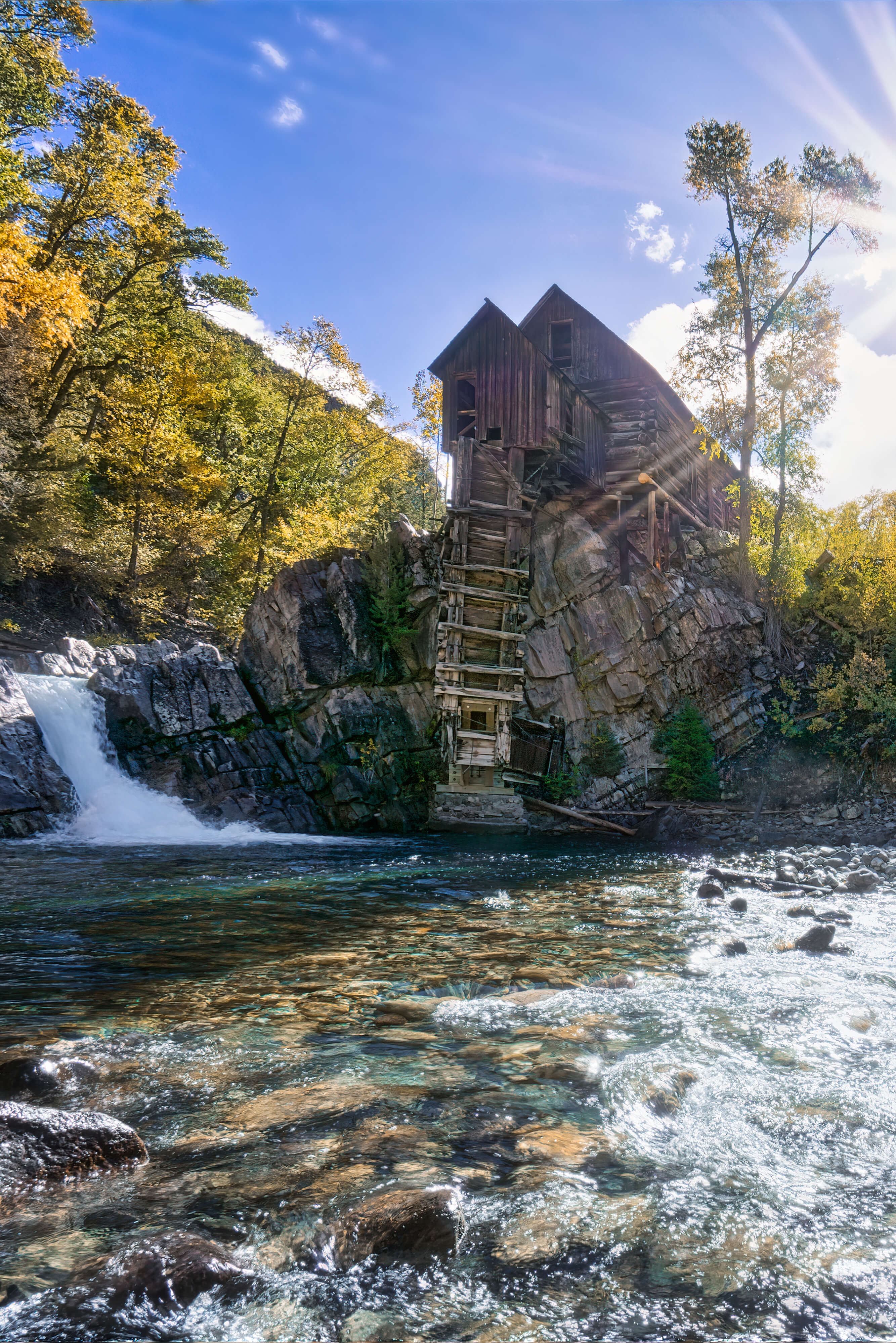 Photographers visiting Colorado will want to see and photograph Crystal Mill. Getting there and photographing from the best spots for amazing photos.   autumn scenery | photography | fall in colorado | Colorado